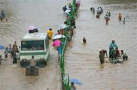 Heavy rains stil keep thousands of Indonesians homeless