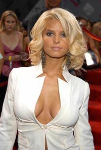 Pop star Jessica Simpson takes charge of her