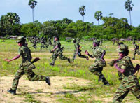 Sri Lanka air force bombs Tamil Tiger jungle base, killing 8