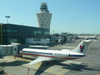 Reported bomb threat leads to search of plane at LaGuardia Airport