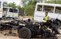 Roadside bomb hits civilian truck in Sri Lanka