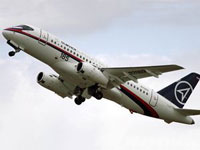 Sukhoi's Superjet 100 becomes biggest sensation at Le Bourget