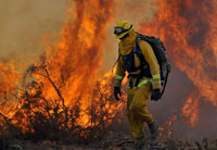 California Firefighters Slow Spread of Blaze North of Los Angeles
