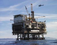 Accident in oil platform into the Gulf of Mexico kills at least 18 oil workers