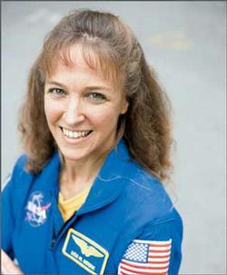 Former astronaut Lisa Nowak returns in court