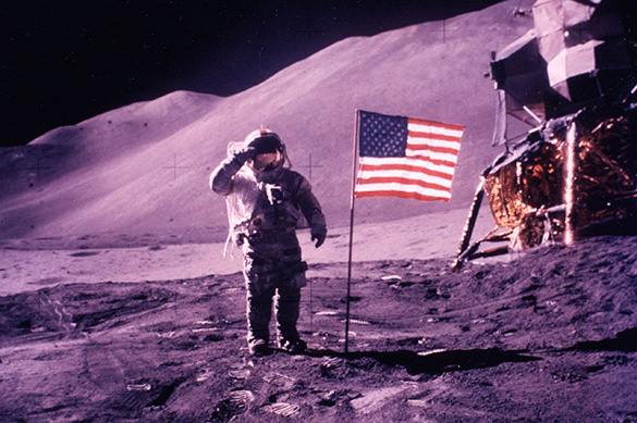 US flags disappear from the Moon. 61456.jpeg