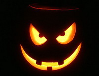 Britain 's Authority on Etiquette Issues Halloween Rules