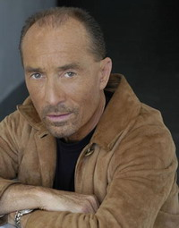 Singer Lee Greenwood cancels his performance because of fee