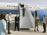 Laura Bush meets with US servicemen