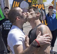 Homosexual love under attack in Russia again. 44467.jpeg