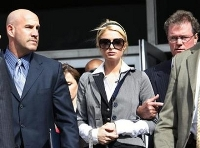 Los Angeles city attorney says his wife's suspended license case not similar to Paris Hilton's
