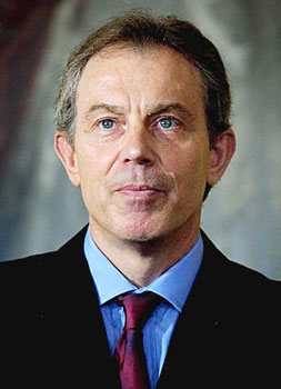 Tony Blair visits Iraq to support new prime minister
