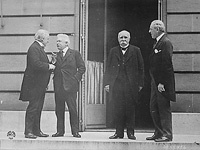 Peace Treaty of Versailles triggered Second World War