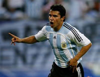 Real Madrid signs Javier Saviola from FC Barcelona