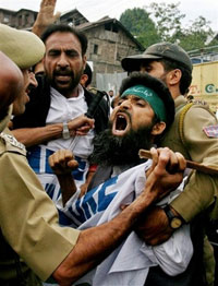 Massive riots hit Indian Kashmir on anniversary of Martyr's Day