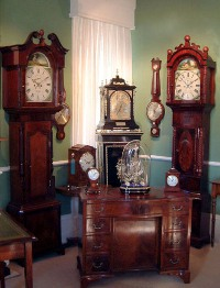 US scientists warn that antique clock mirrors and thermometers can pose mercury hazard