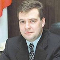 Putin-supported presidential aspirant Medvedev to improve Russian social programs