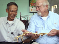 Vietnamese man receives his amputated arm from USA in 47 years. 50492.png