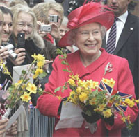 Queen supports England's soccer team