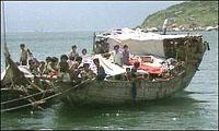 Migrant boat overthrows near Malta: 11 dead