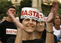 Brazilians protest gang violence