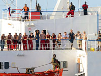 Somali pirates Demand Huge Ransom For British Hostages