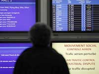 French Air Traffic Controllers to Strike Through Weekend