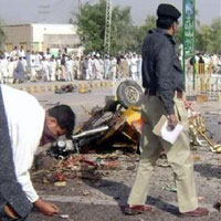 Suicide Blast Kills 6 in Pakistan