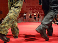 Russian army cold and sick in haute couture uniforms. 45520.jpeg