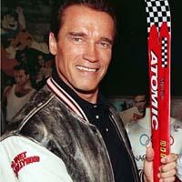 Schwarzenegger breaks his leg while skiing