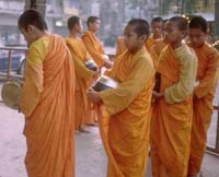 Buddhist monks protest against the military junta for 4th day