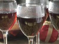 Monkeys drink red wine in Russia to stay warm. 46531.jpeg