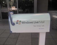 Microsoft puts out Windows Live Hotmail