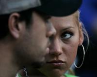 Kournikova dumps Iglesias because of children