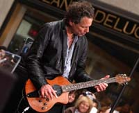Lindsey Buckingham is back on the concert road but not with Fleetwood Mac, for now