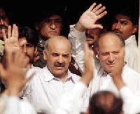 Pakistani former PM Nawaz Sharif allowed to return