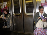 NY police investigate assault on four subway riders during Hanukkah