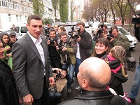 Who will fight Vitali Klitschko?. 51542.jpeg