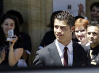 Cristiano Ronaldo has his right ankle operated on