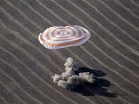 Russian, American and Japanese return to Earth from ISS. 48550.jpeg