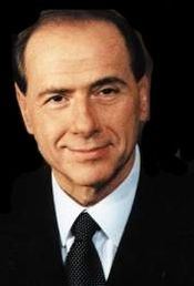 Berlusconi arrives at presidential palace