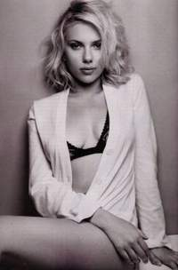 Scarlett Johansson voted sexiest woman on Earth