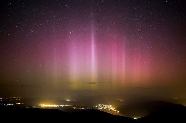 Auroras capture sky in Europa and North America. Aurora