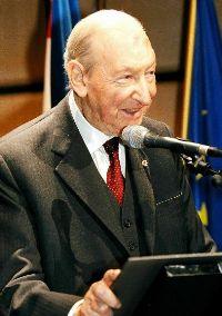 Former Austrian President Kurt Waldheim hospitalized