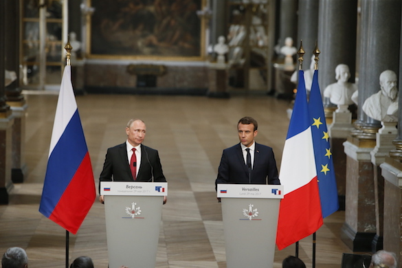 Putin in Versailles: Macron pays Russian president highest honor. 60583.jpeg