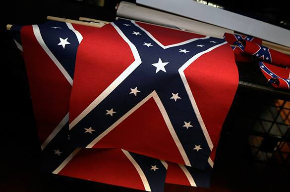 Democrats raise donations over Confederate flag. Confederate flag