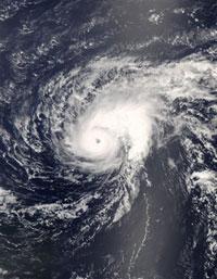 Hurricane Bertha regains strength heading toward Bermuda
