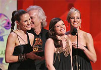 Dixie Chicks come back winning 5 Grammys