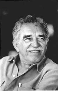 Famed Colombian writer Garcia Marquez mobbed at press meeting