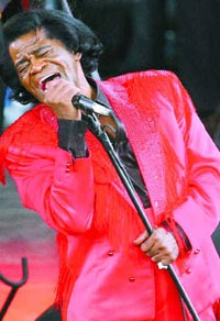 Public viewing of singer James Brown's body at Harlem's Apollo Theater